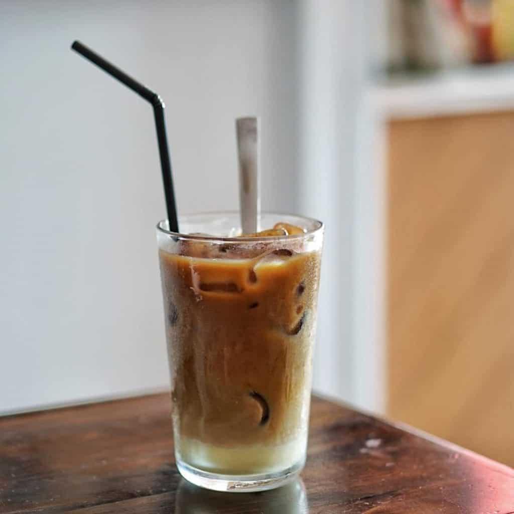 Kedai kopi laris