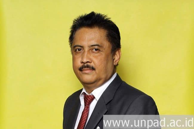 Prof. Dr. Azhar Susanto, S.E., M.Buss., Ak.,