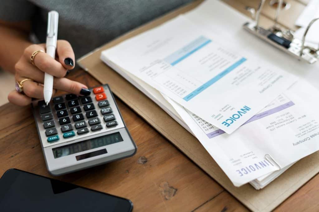 perbedaan akuntansi dan akuntan