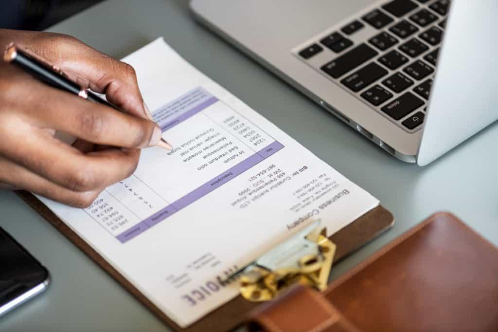 invoice-berisi-nomor-tanggal-jatuh-tempo